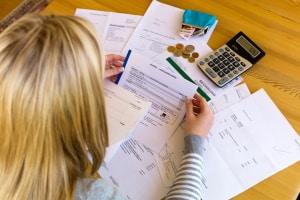 Anhand Ihrer Unterlagen kann die Schuldnerberatung in Treptow-Köpenick einen Überblick über Ihre finanzielle Lage verschaffen.
