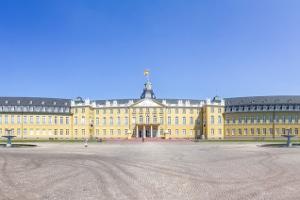 Eine Schuldnerberatung in Karlsruhe kann Ihnen dabei helfen, Ihre finanziellen Probleme in den Griff zu bekommen.