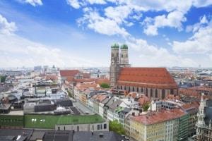 Bei steigenden Mietpreisen und immer verführerischeren Kreditangeboten sammelt sich schnell ein Schuldenberg an. Die Schuldnerberatung in München hilft.