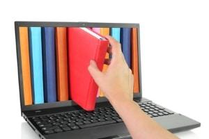 Schuldnerberatung: Auch online ermöglichen gemachte Erfahrungen hoffentlich den Abbau der Schulden.