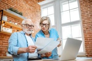 Die Schuldnerberatung in Velbert hilft überschuldeten Menschen wieder einen Überblick über ihre Finanzen zu bekommen.