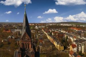 Wer bietet eine Schuldnerberatung in Zwickau an und wie wird den Schuldnern geholfen?