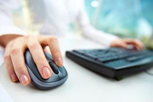 Einer unserer Spartipps für Ihre Familie: Machen Sie einen Versicherunsgvergleich, um günstigere Anbieter zu finden.