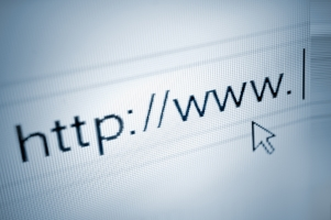 Termine für Zwangsversteigerungen werden von vielen Amtsgerichten auch im Internet veröffentlicht.