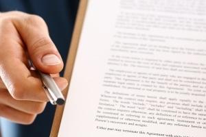 Grundlage für ein Treuhandkonto ist meist ein Vertrag zwischen Treuhänder und -geber.