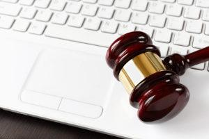 Auf den Webseiten der Justiz finden Sie das zur Beantragung der Verbraucherinsolvenz notwendige Formular.