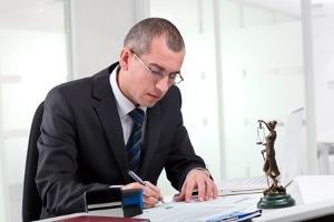 Wer erhält noch eine Vergütung? Auch ein vorläufiger Insolvenzverwalter kann Gebühren und Auslagen verlangen.