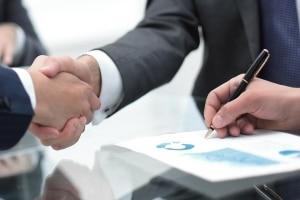 Das Veritätsrisiko spielt beim Verkauf von Forderungen eine Rolle.