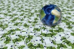 Das Vermögen der Bundesbürger ist ungleich v. a. auf die oberen zehn Prozent verteilt.