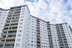 Kritikern zufolge greift die Verschärfung der Mietpreisbremse zu kurz. Sie fordern mehr Sozialwohnungen.