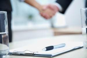 Vertragspflichten entstehen nur, wenn ein wirksamer Vertrag zustandekommt.