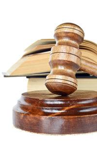 Die Klausel als Voraussetzung für die Zwangsvollstreckung bescheinigt, dass der Gläubiger vollstrecken darf.