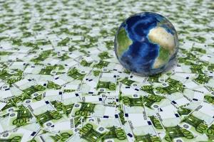 Wie entstehen Staatsschulden? Indem der Staat mehr Geld ausgibt als er an Steuern einnimmt.